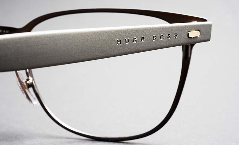 pen dame med glasögon fra boss
